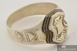Stříbrný prsten Tadhut 2