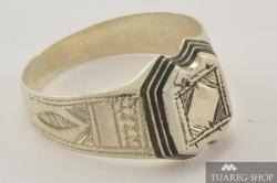 Stříbrný prsten Tadhut 3