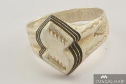 Stříbrný prsten Tadhut 4